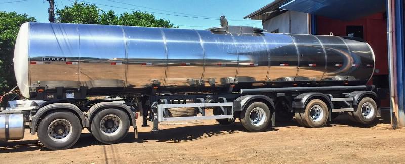 Carreta tanque para transporte de oleo vegetal