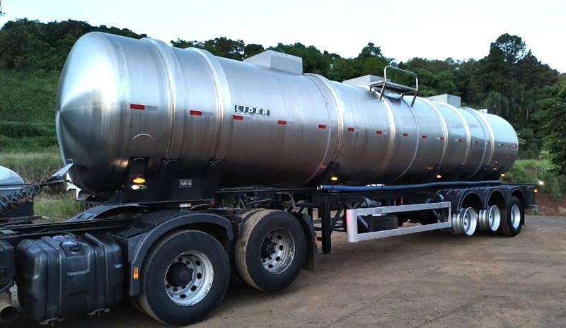 Carreta para transporte de combustivel