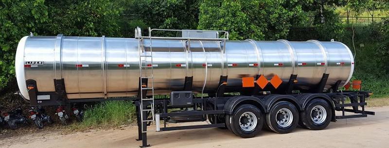 Semi reboque tanque combustivel
